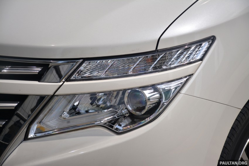 DRIVEN: 2014 Nissan Elgrand tested from every seat Image #255564