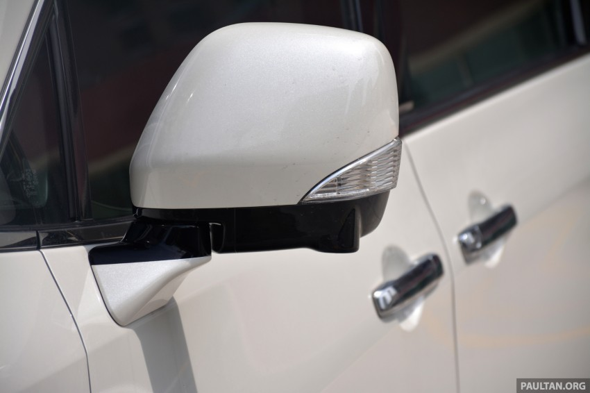 DRIVEN: 2014 Nissan Elgrand tested from every seat Image #255556