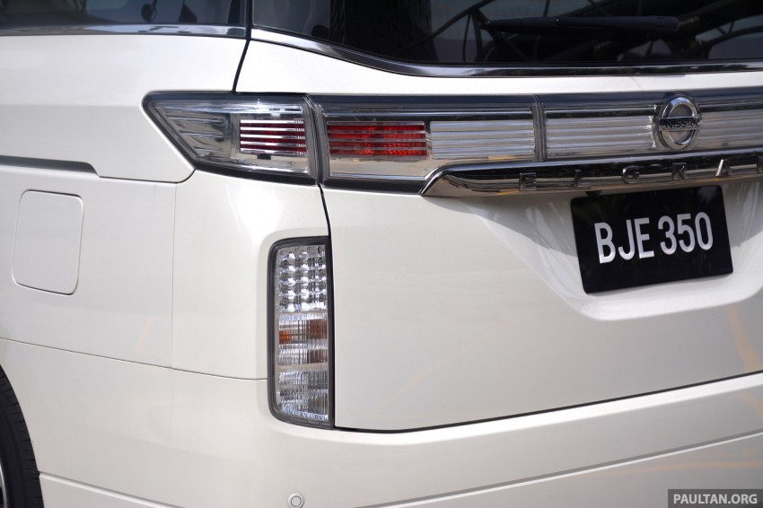 DRIVEN: 2014 Nissan Elgrand tested from every seat Image #255557