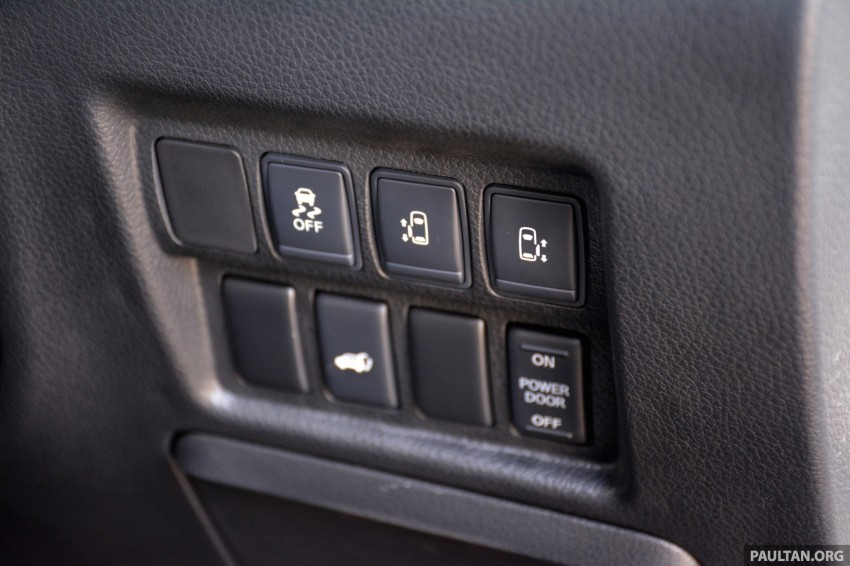 DRIVEN: 2014 Nissan Elgrand tested from every seat Image #255530