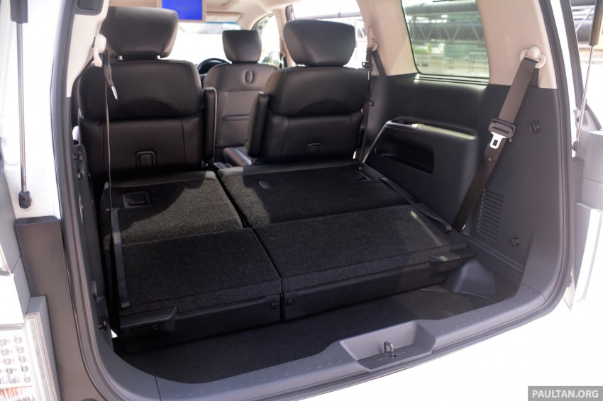 DRIVEN: 2014 Nissan Elgrand tested from every seat Image #255498