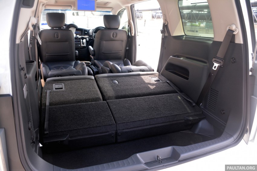 DRIVEN: 2014 Nissan Elgrand tested from every seat Image #255500