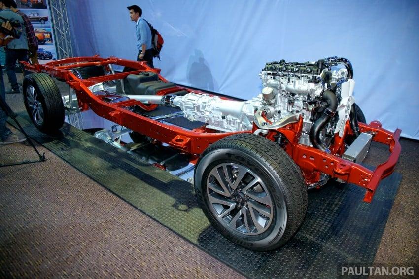 Nissan NP300 Navara unveiled in Thailand: 7spd auto! Image #253233