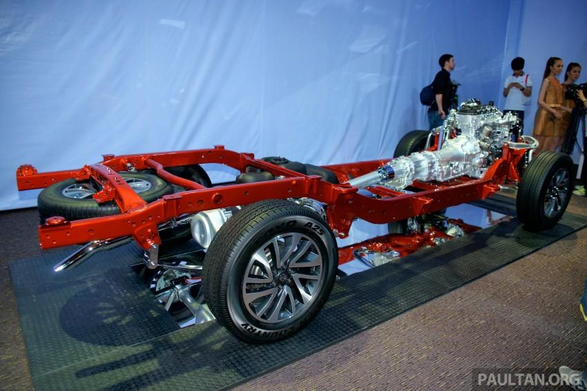 Nissan NP300 Navara unveiled in Thailand: 7spd auto! Image #253236