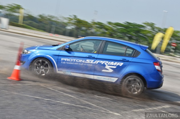 Proton R3 Driving Experience 15