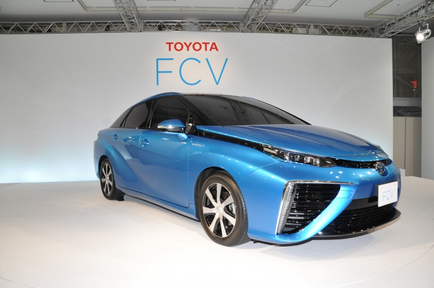 Toyota Fuel Cell Sedan unveiled – production version to go on sale in Japan in 2015, priced at US$69k Image #255777