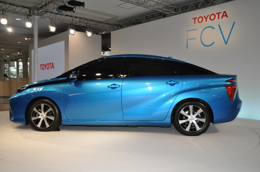 Toyota Fuel Cell Sedan unveiled – production version to go on sale in Japan in 2015, priced at US$69k Image #255778