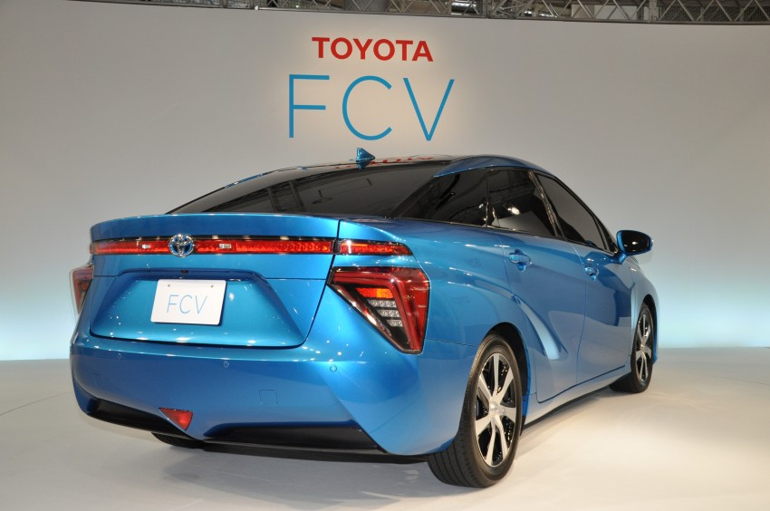 Toyota Fuel Cell Sedan unveiled – production version to go on sale in Japan in 2015, priced at US$69k Image #255781