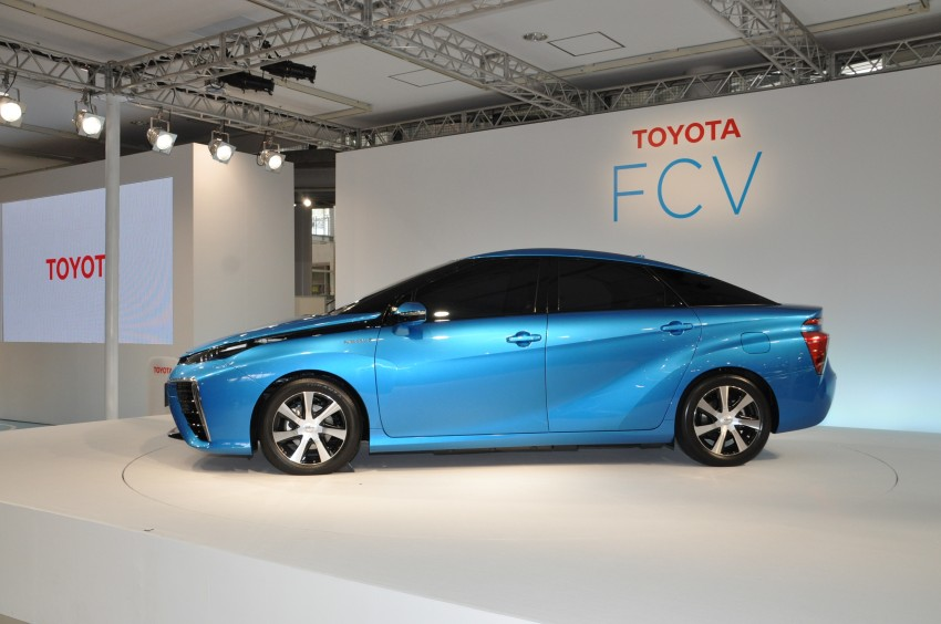 Toyota Fuel Cell Sedan unveiled – production version to go on sale in Japan in 2015, priced at US$69k Image #255766
