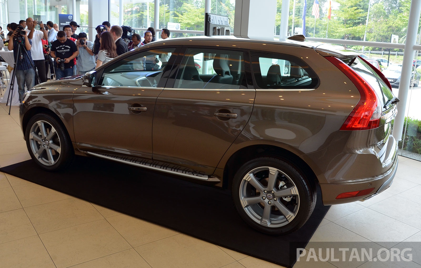 volvo xc60 t5 facelift launched drive e rm289k image 254829. Black Bedroom Furniture Sets. Home Design Ideas