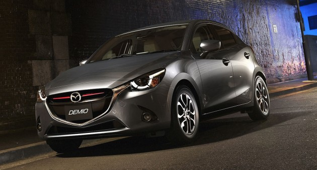 2014-Mazda2-10