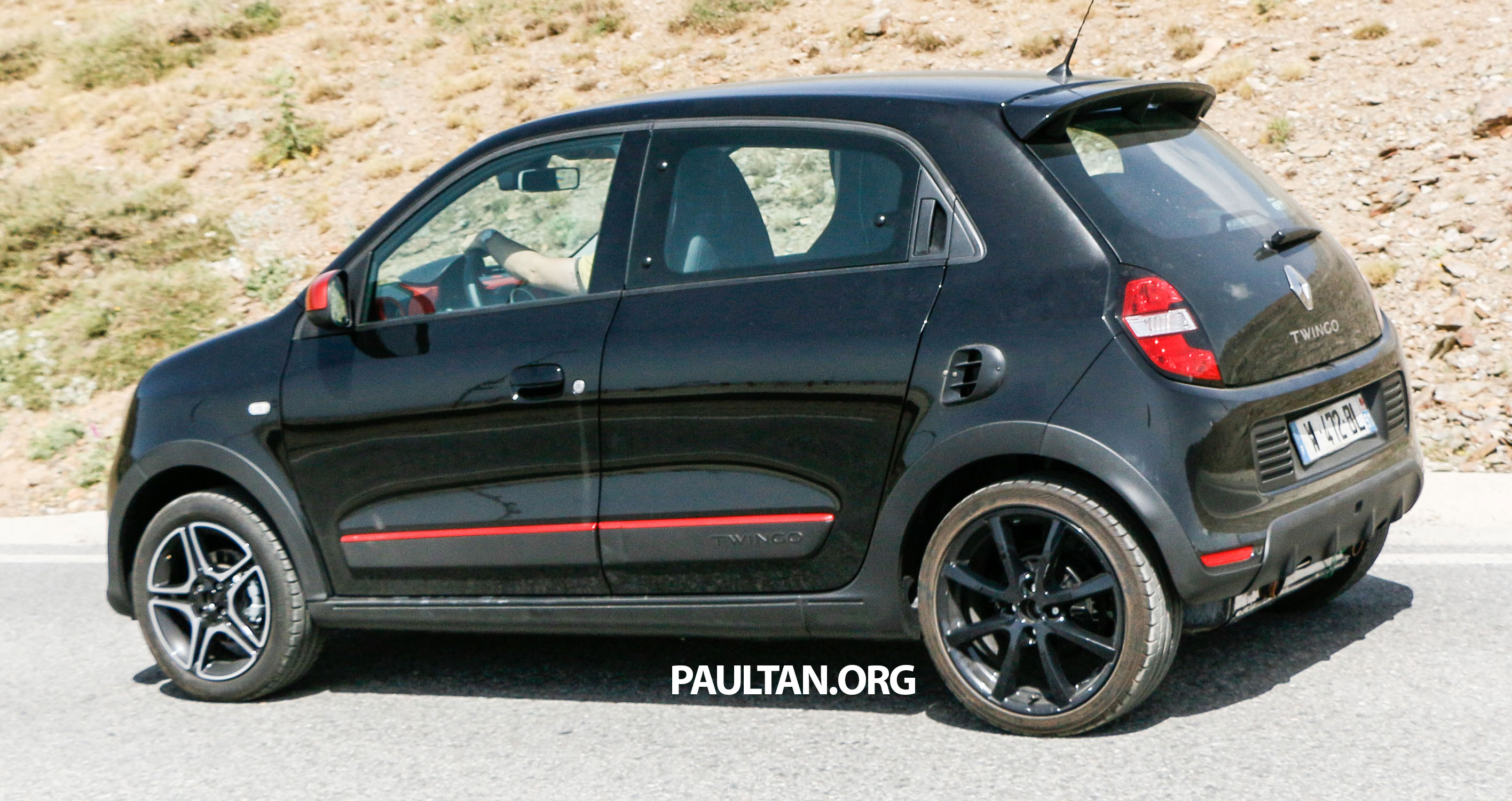 spyshots new renault twingo rs on test to share an engine with the smart forfour brabus. Black Bedroom Furniture Sets. Home Design Ideas