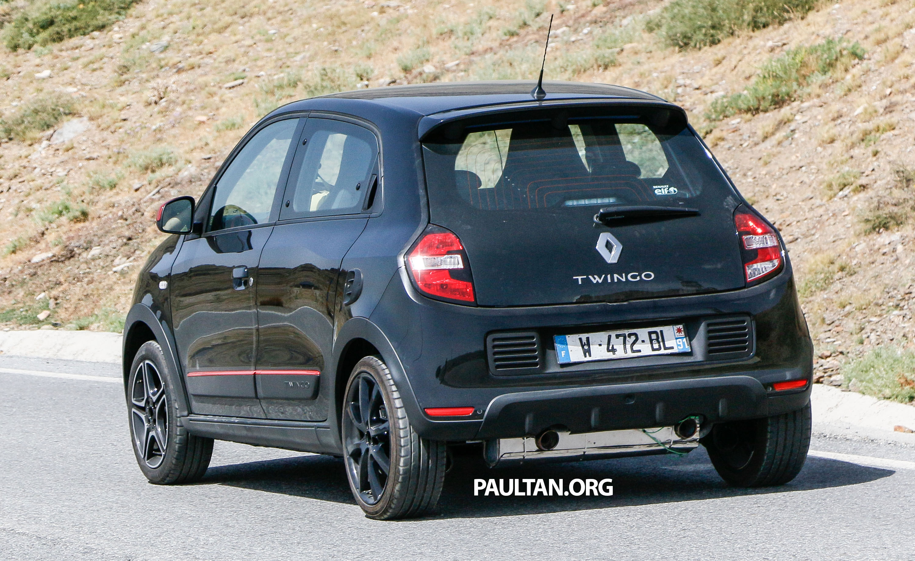 spyshots new renault twingo rs on test to share an. Black Bedroom Furniture Sets. Home Design Ideas