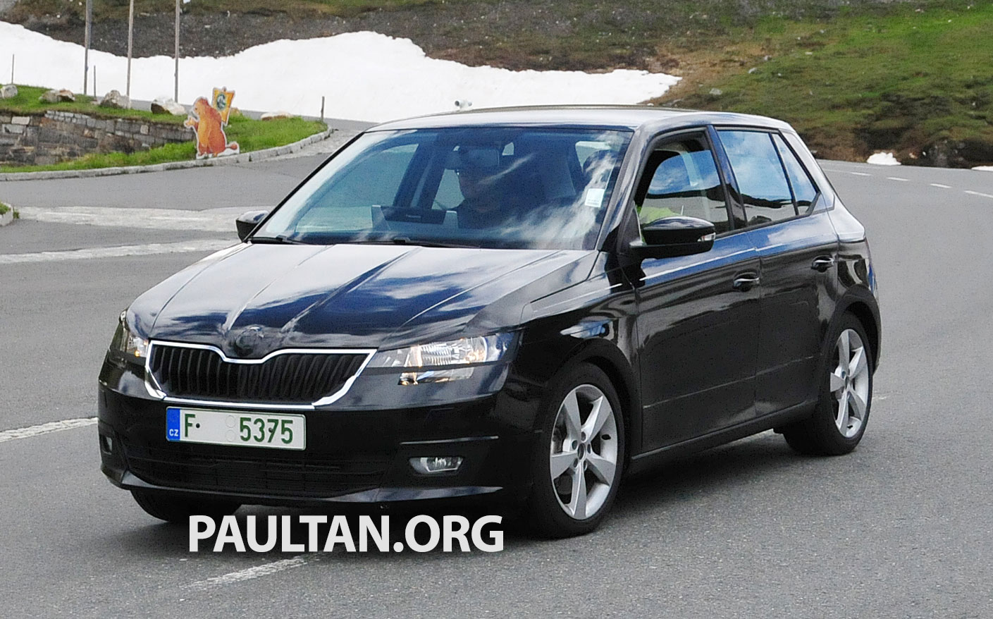 spied next skoda fabia caught almost undisguised image 256905. Black Bedroom Furniture Sets. Home Design Ideas