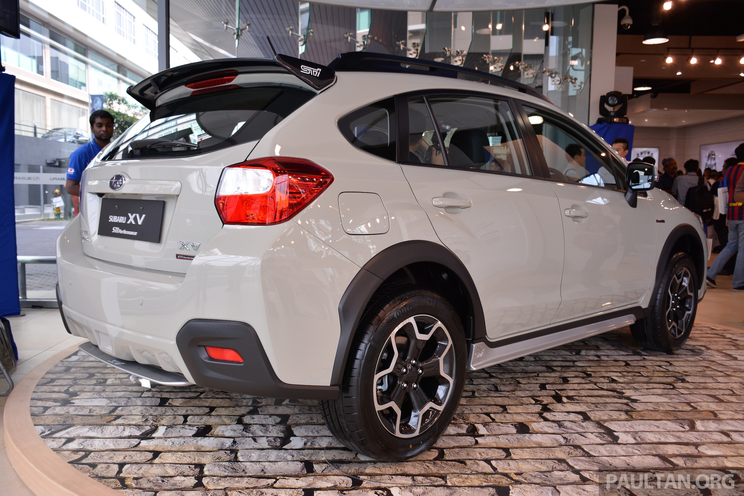 crystal black silica roof spoiler on a khaki xv how might it look club crosstrek subaru. Black Bedroom Furniture Sets. Home Design Ideas