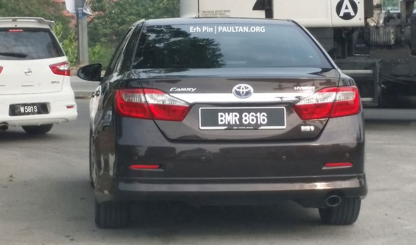 SPYSHOT: Toyota Camry Hybrid spotted on the road Image #257549