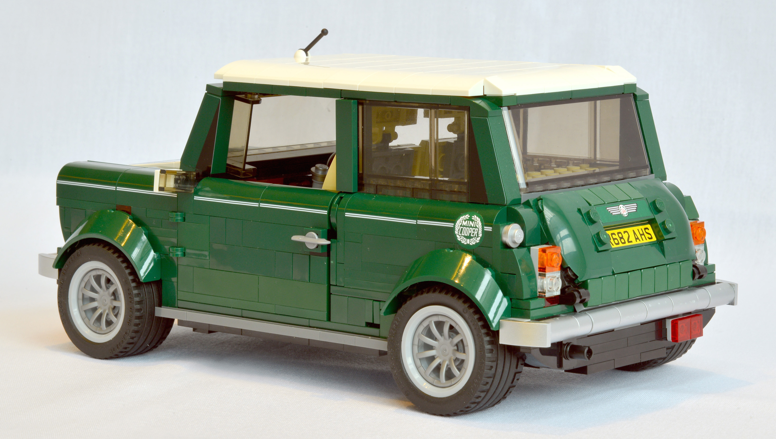 lego mini cooper the little classic goes plastic image. Black Bedroom Furniture Sets. Home Design Ideas