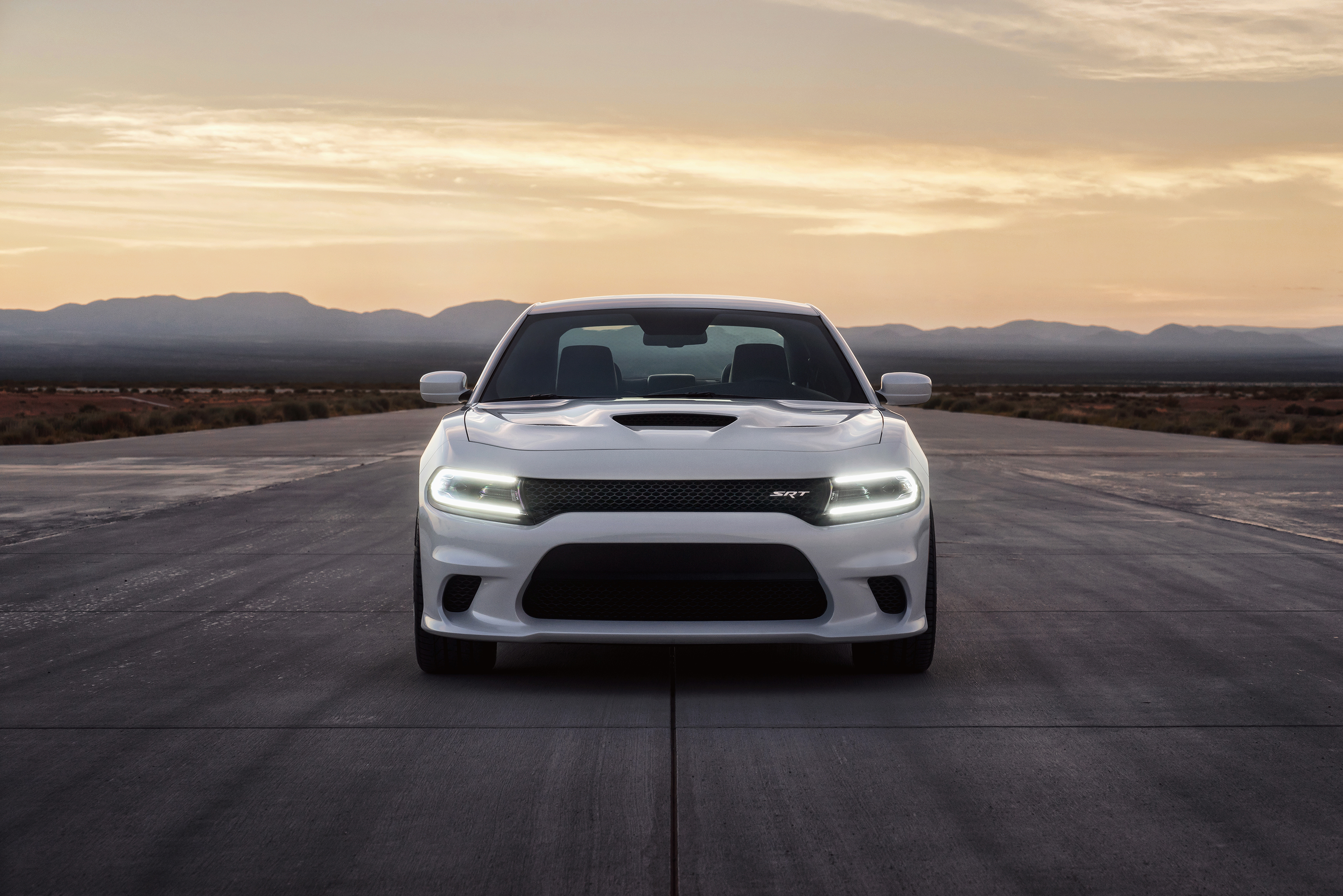 Dodge Charger Srt Hellcat 707 Hp V8 Muscle Saloon Image