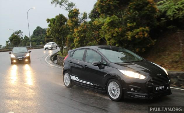 Driven_2014_ep6_Ford_Fiesta_EcoBoost_vs_Honda_Jazz_Hybrid_vs_Mitsubishi_Attrage_ 008