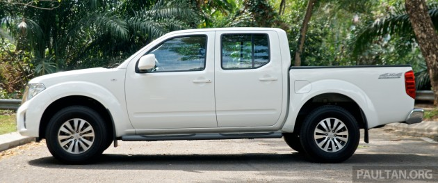 DRIVEN: 2015 Nissan NP300 Navara   4x2 and 4x4 tested in Chiang Mai