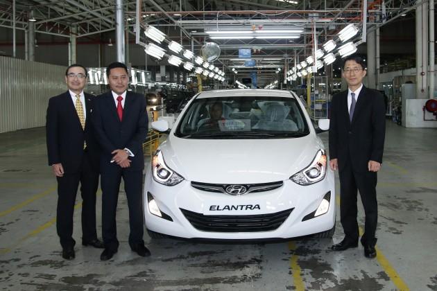 Official Rollout of the Hyundai Elantra for export (L-R Hideki Yanagisawa, Rizal Jailan and HK Kim)