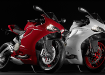 SBK-899-Panigale_2014_Studio_R-W_Combo01_1920x1080.mediagallery_output_image_[1920x1080]