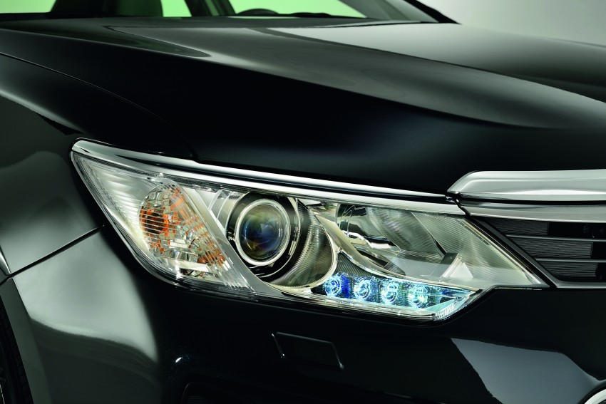 2015 Toyota Camry facelift to feature new 2.0 litre engine with VVT-iW technology, 6-speed automatic Image #268398
