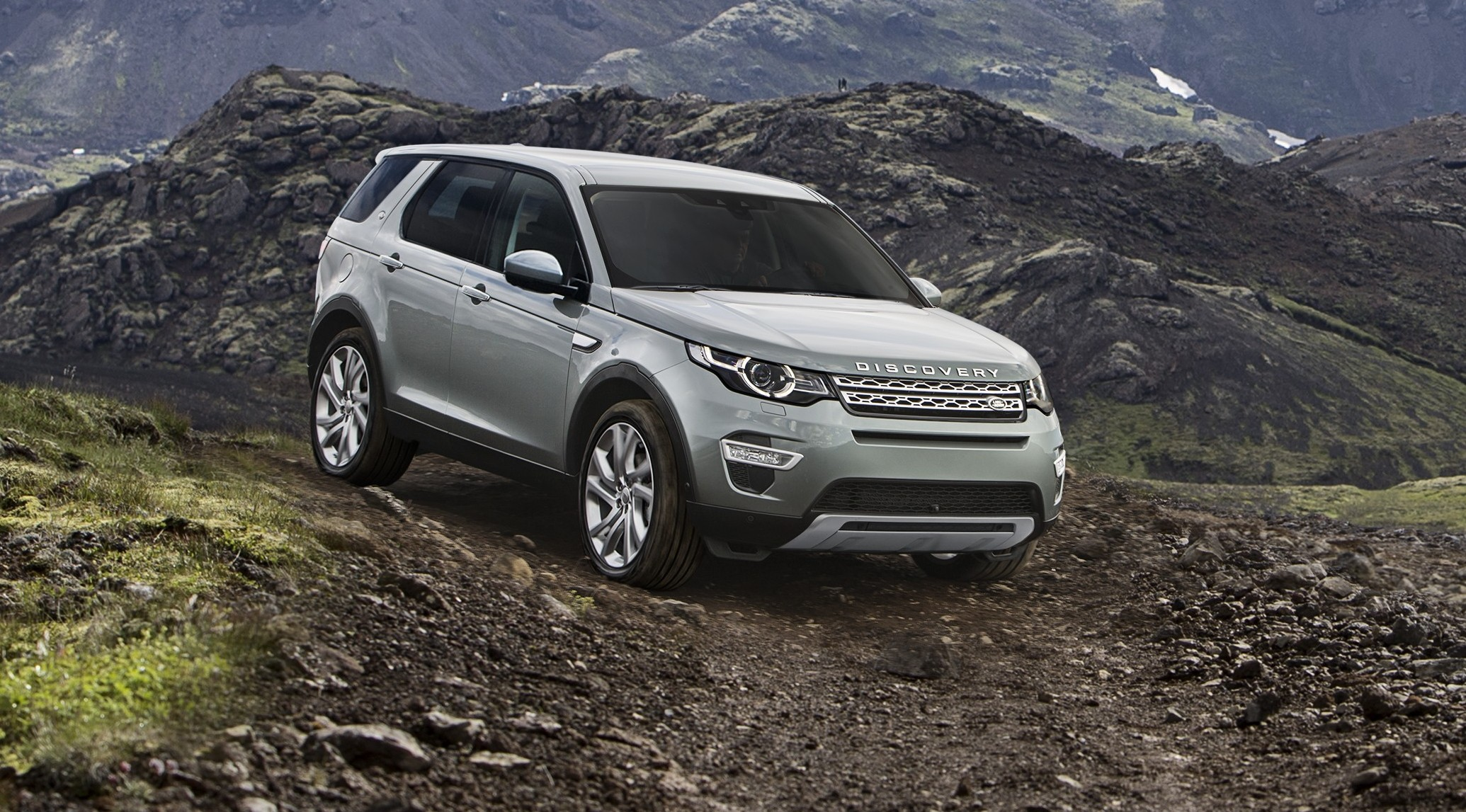 land rover discovery sport 7 seat small suv debuts image 268311. Black Bedroom Furniture Sets. Home Design Ideas
