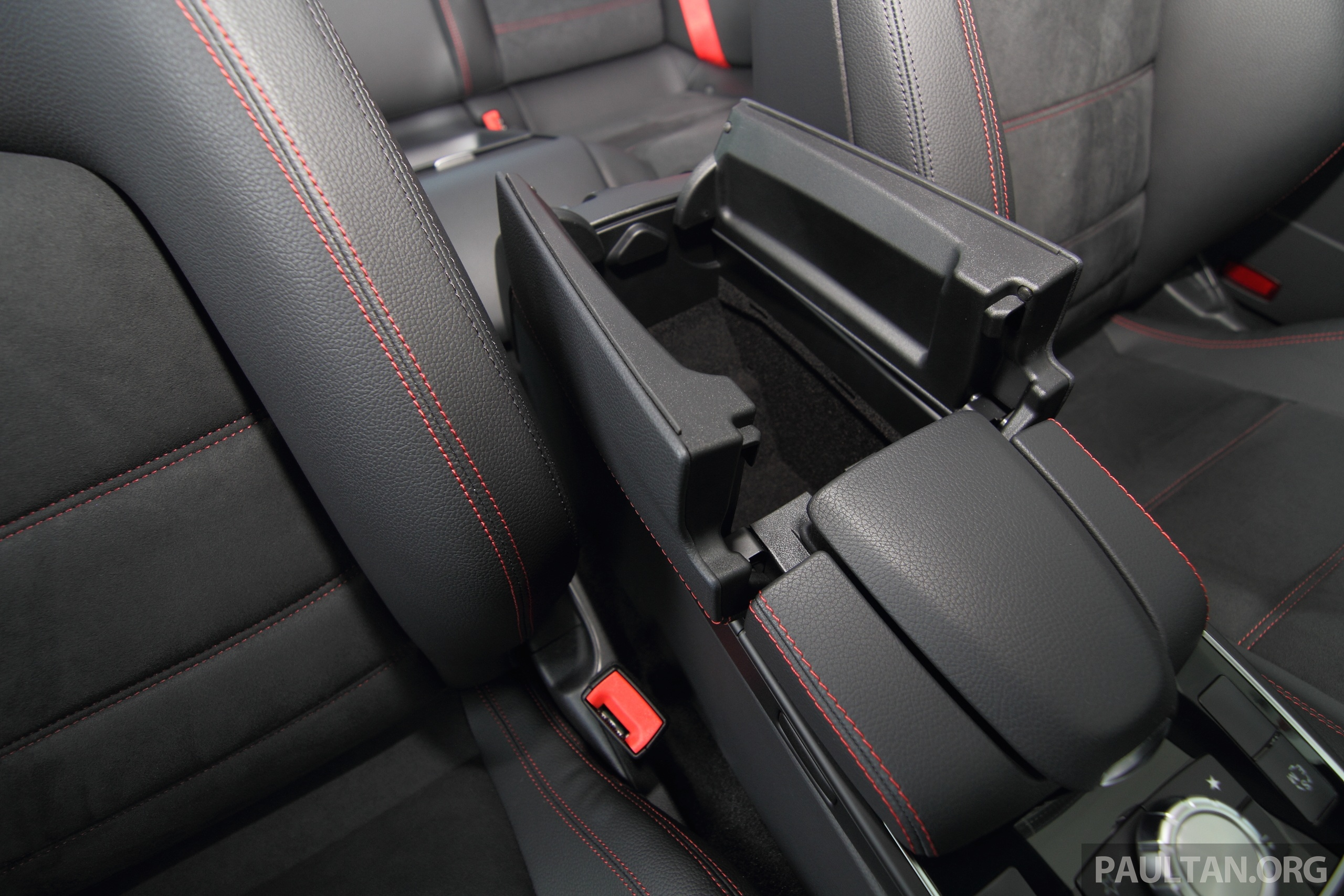 mercedes e 250 coupe facelift is here rm490 888 image 270905. Black Bedroom Furniture Sets. Home Design Ideas