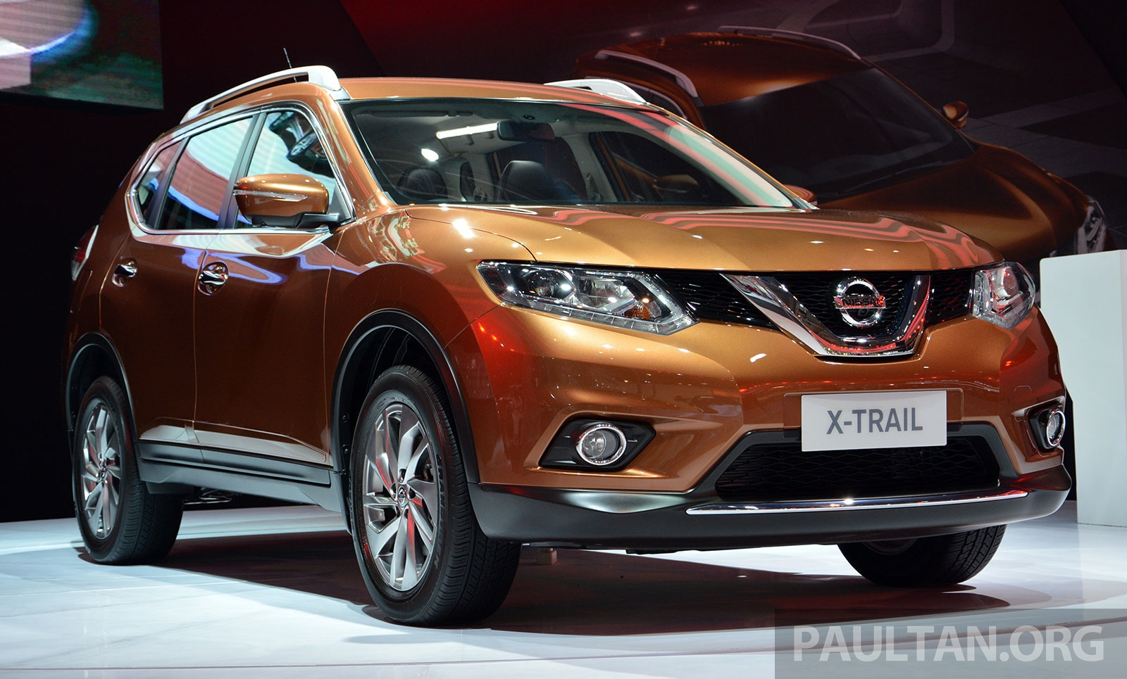 iims 2014 new nissan x trail launched in indonesia. Black Bedroom Furniture Sets. Home Design Ideas