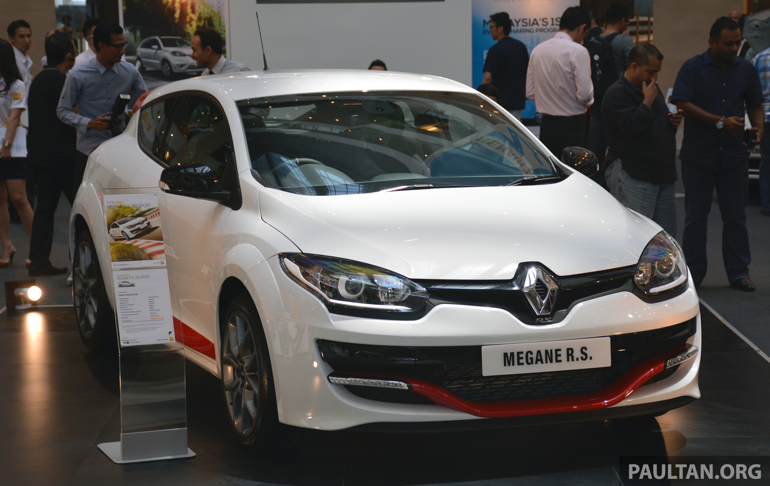 renault megane rs 265 sport facelift debuts rm200k. Black Bedroom Furniture Sets. Home Design Ideas