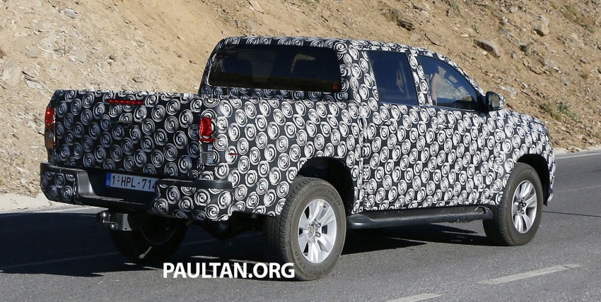 2015 Toyota Hilux spotted in Europe – clearer shots! Image #274222