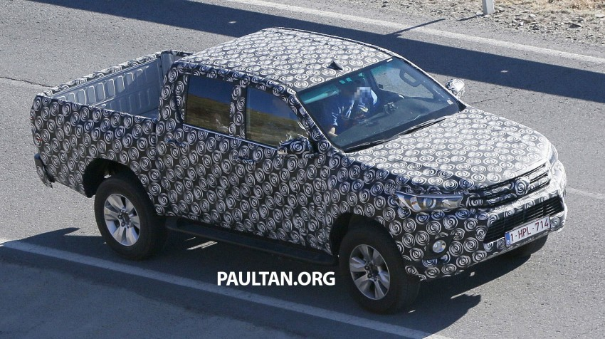 2015 Toyota Hilux spotted in Europe – clearer shots! Image #274215