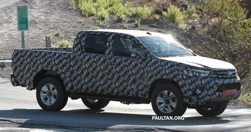 2015 Toyota Hilux spotted in Europe – clearer shots! Image #270705