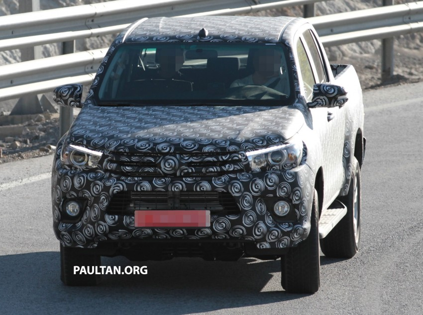 2015 Toyota Hilux spotted in Europe – clearer shots! Image #270708