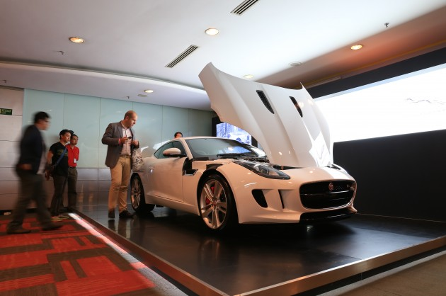 jaguar-f-type-coupe-preview-4