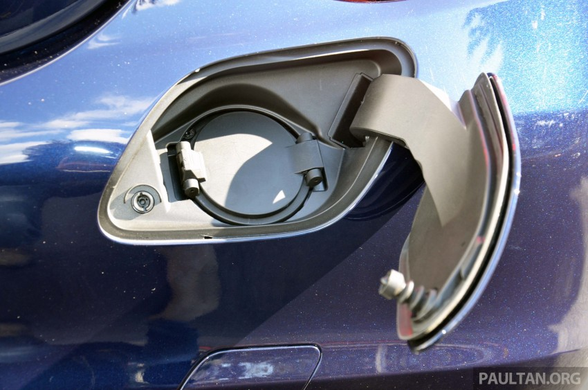 Mercedes-Benz C 350 Plug-in Hybrid previewed: 211 PS 2.0 turbo engine, 80 hp electric motor Image #275736