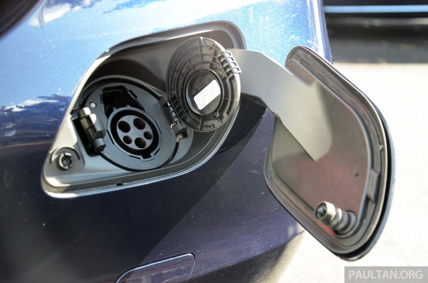 Mercedes-Benz C 350 Plug-in Hybrid previewed: 211 PS 2.0 turbo engine, 80 hp electric motor Image #275737