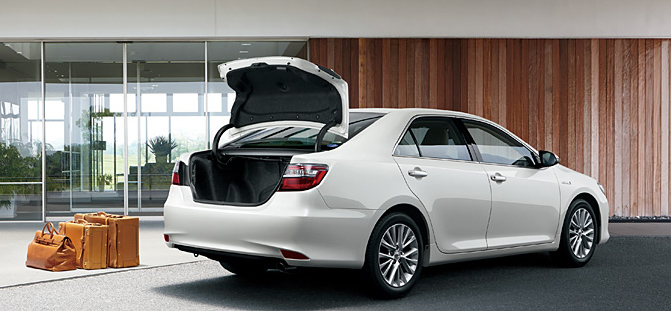 Toyota Camry Hybrid facelift unveiled in Japan Image #271485