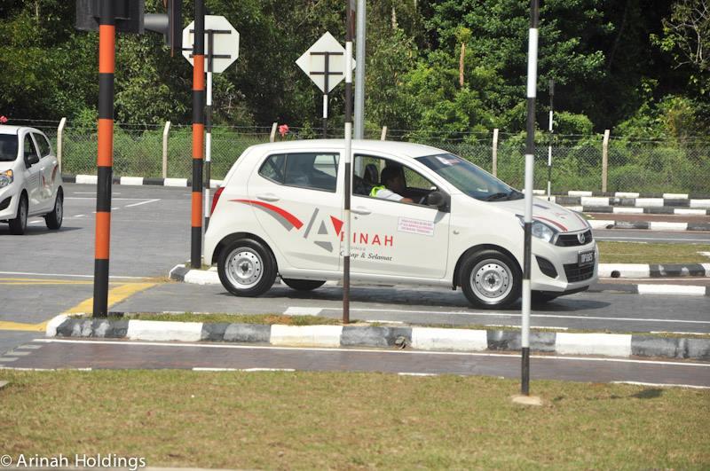 Perodua Axia E – deliveries to driving schools begin Image #281786
