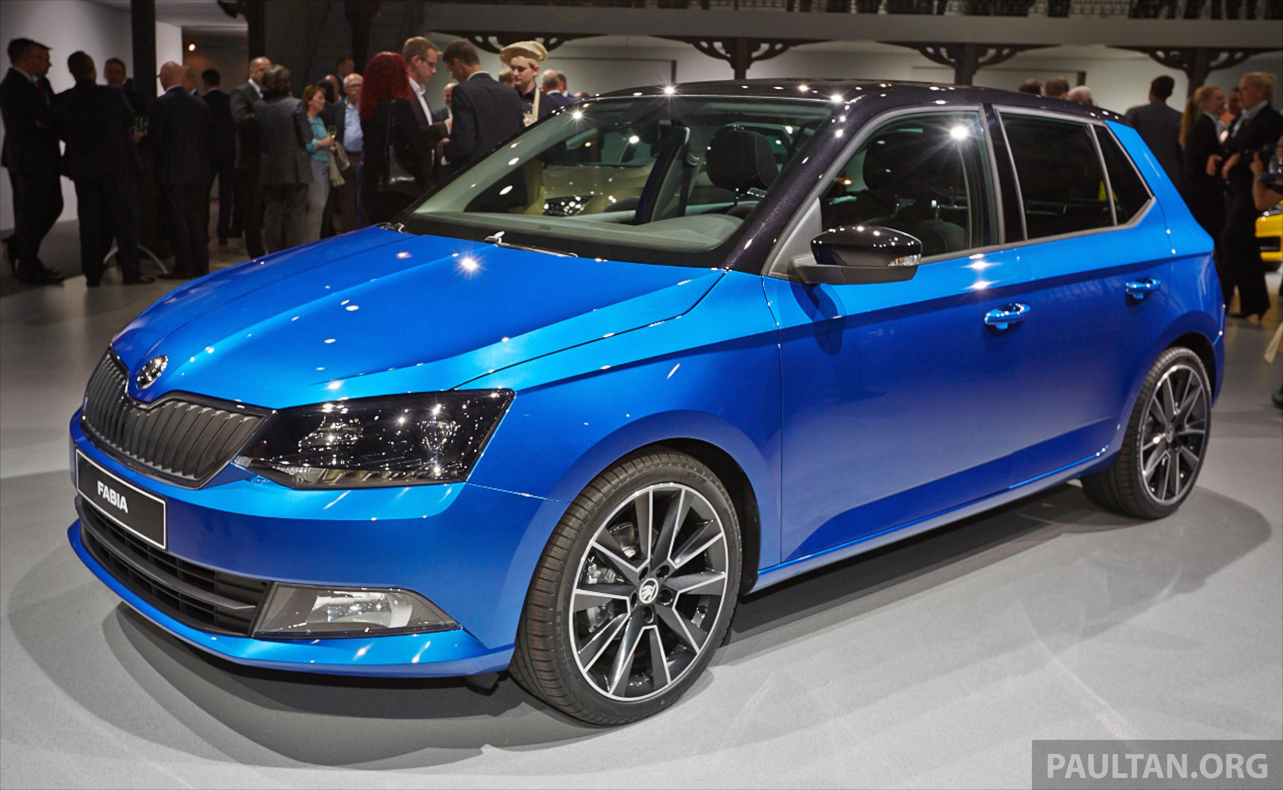 skoda fabia combi wagon unveiled debuts in paris image 277281. Black Bedroom Furniture Sets. Home Design Ideas