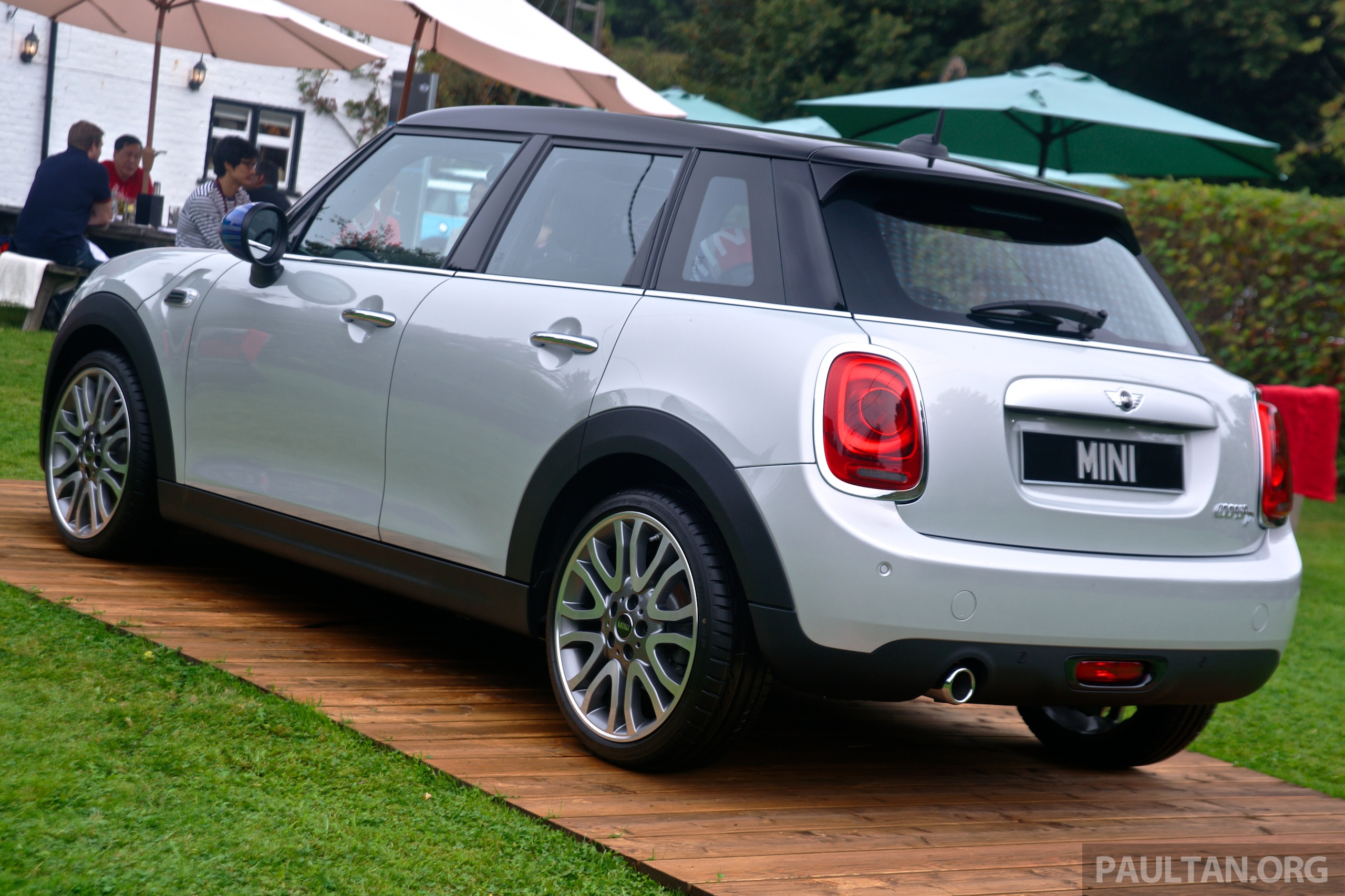 driven f55 mini cooper s 5 door tested in the uk image 279122. Black Bedroom Furniture Sets. Home Design Ideas