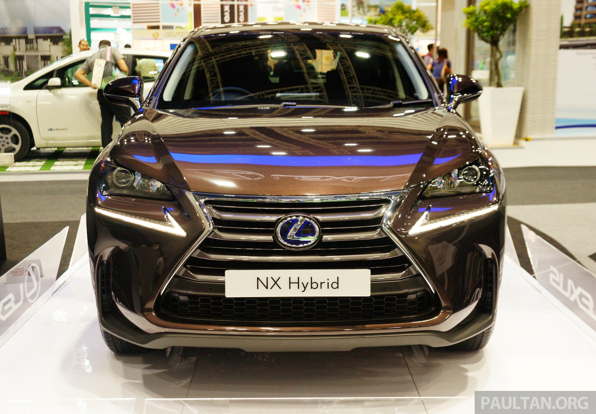 lexus nx 300h on display at igem 2014 in klcc. Black Bedroom Furniture Sets. Home Design Ideas
