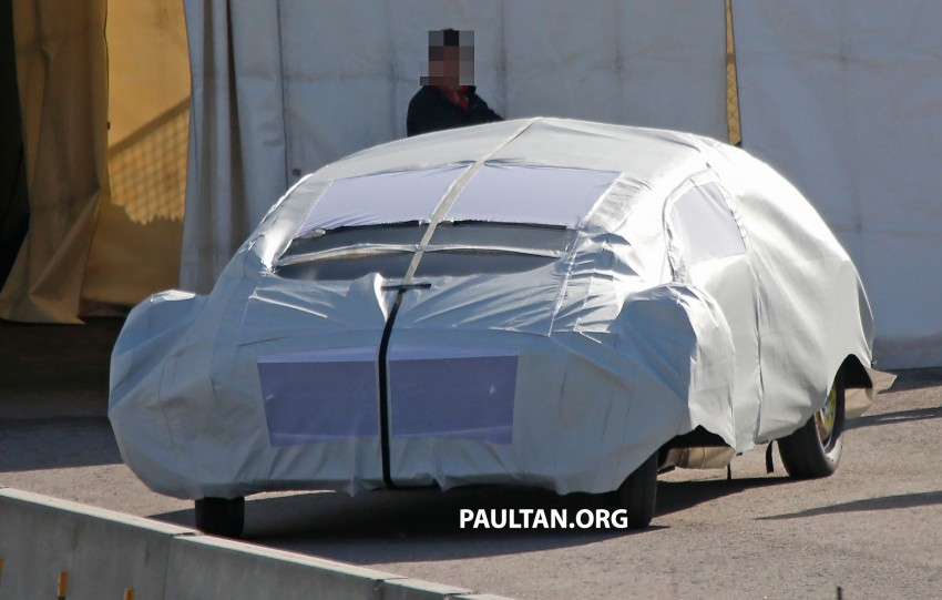 SPYSHOTS: Mysterious Mercedes-Benz Concept with skinny tyres – could this be shown at CES 2015? Image #281939