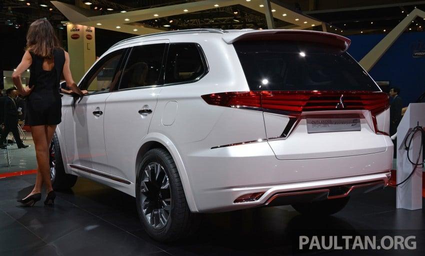 Paris 2014: Mitsubishi Outlander PHEV Concept-S Image #279970