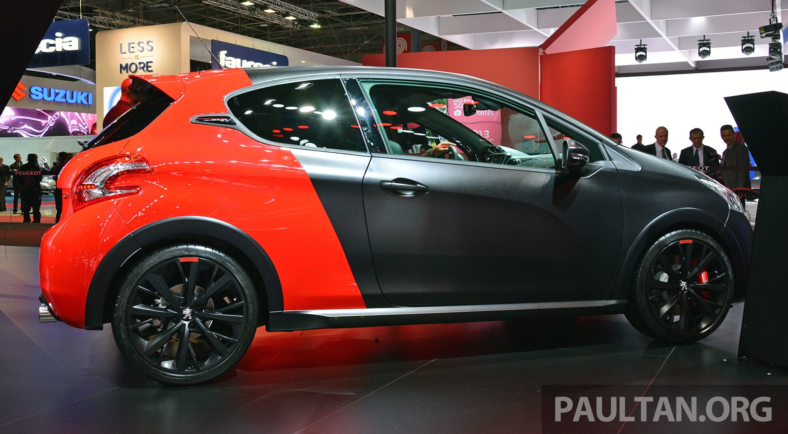 paris 2014 peugeot 208 gti 30th anniversary edition image 279923. Black Bedroom Furniture Sets. Home Design Ideas