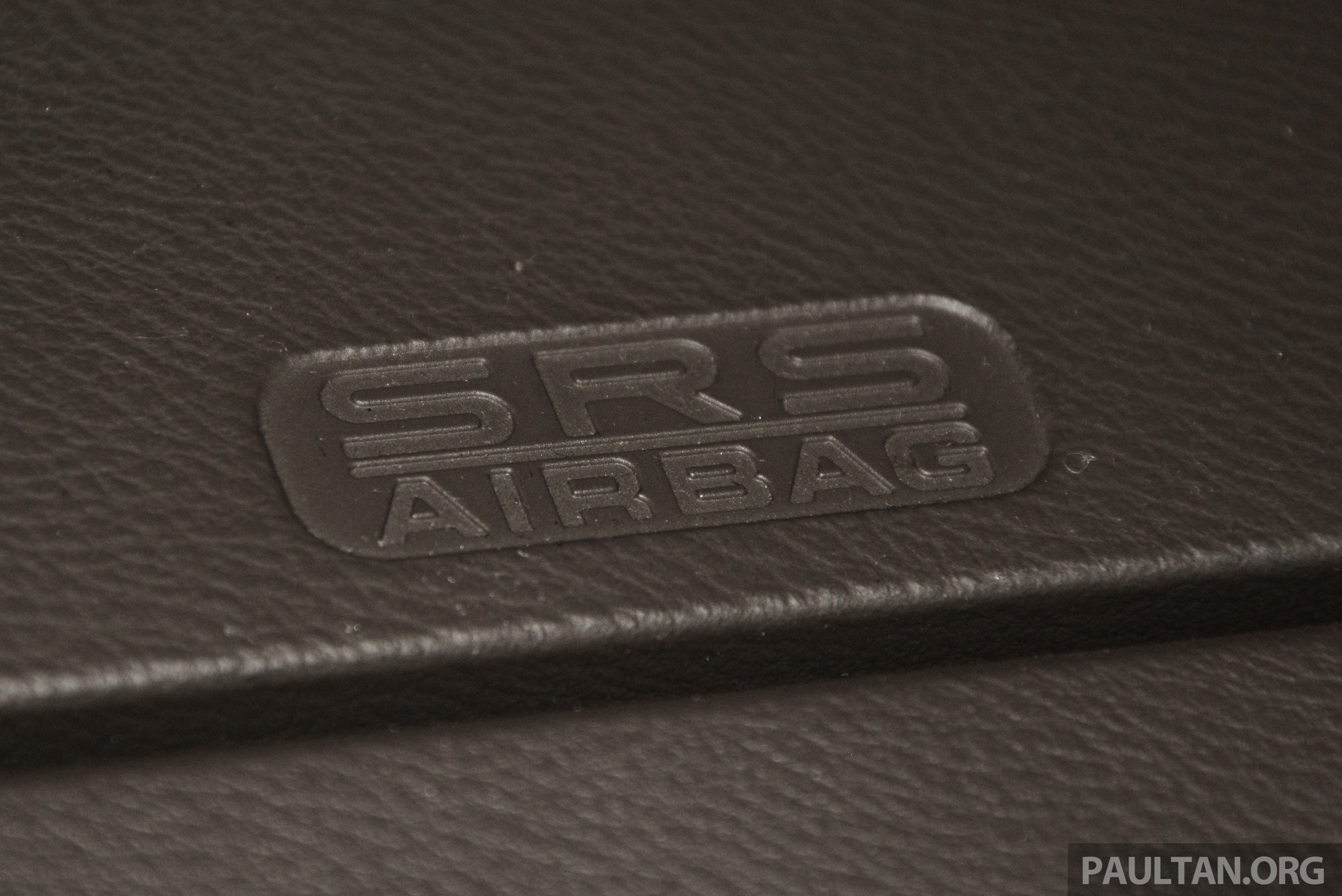Toyota Camry: SRS airbags