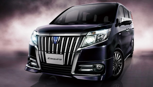 Toyota Esquire Luxury Mpv Goes On Sale In Japan