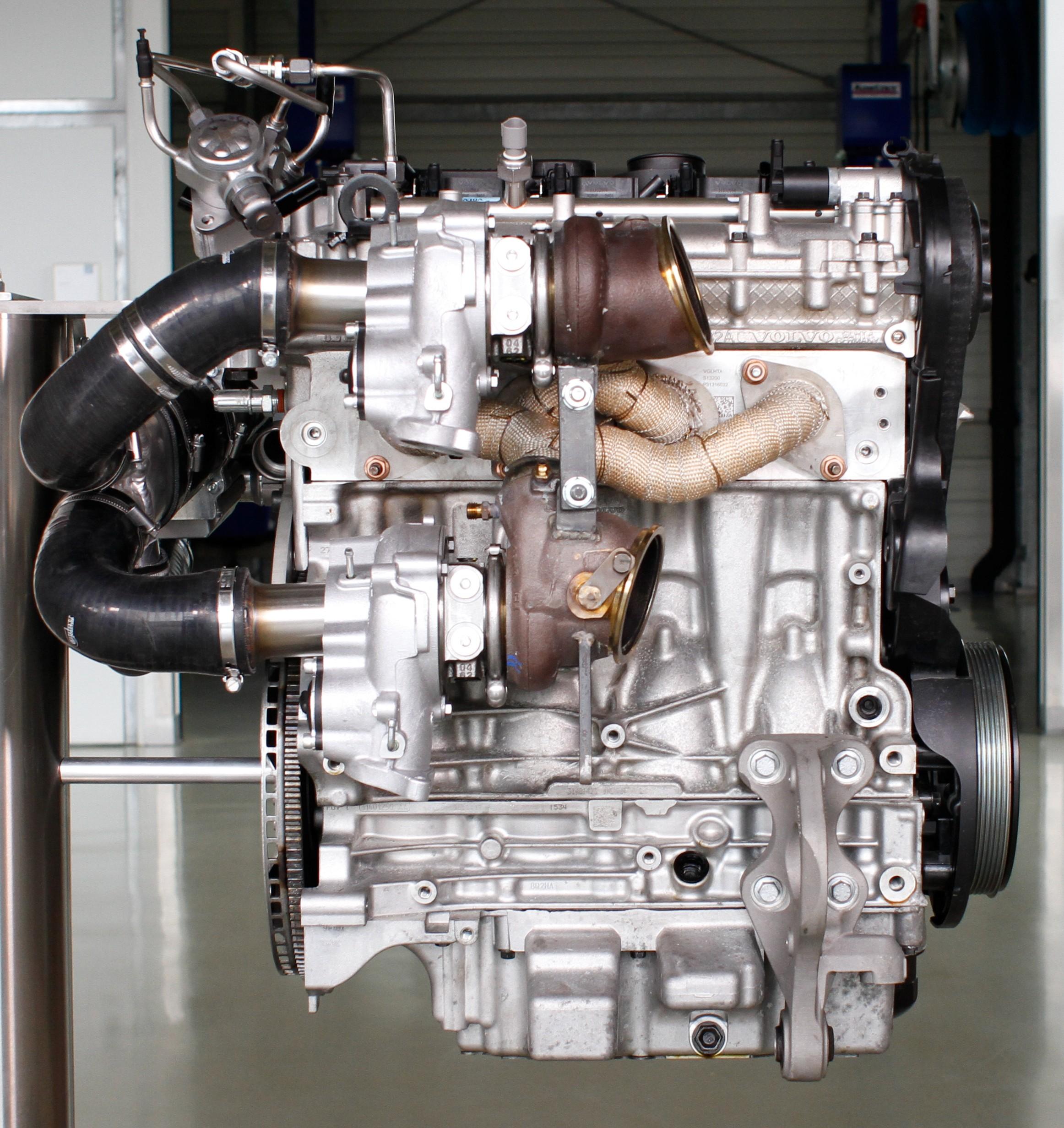 volvo unveils 450 hp 2 0 litre four cylinder engine!