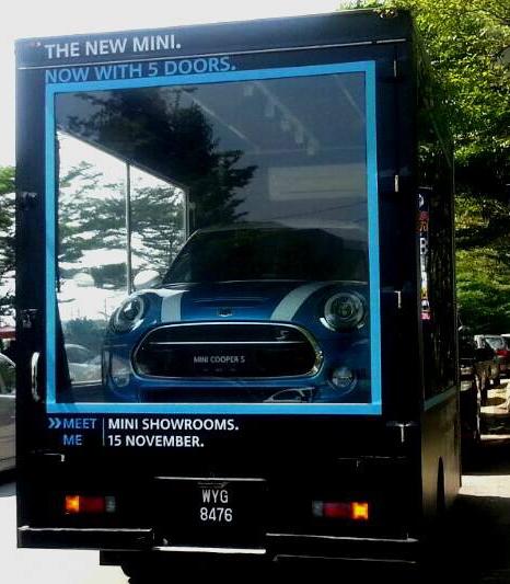 F55 MINI 5 Door teased, mobile display spotted in KL Image #287084